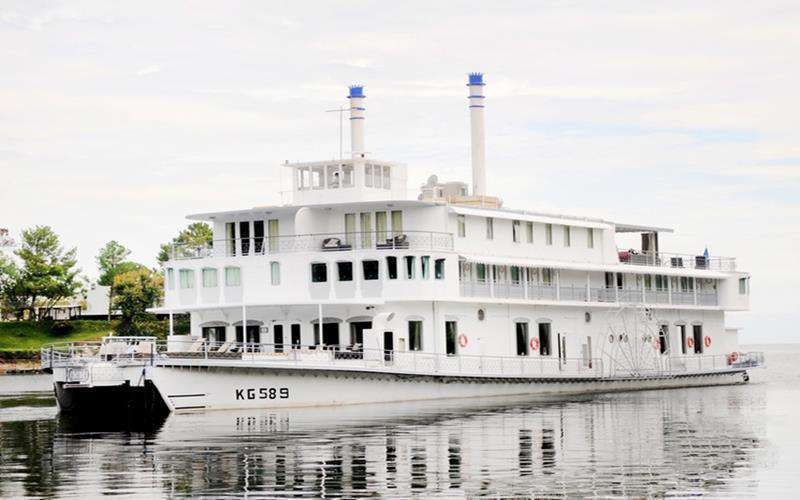Southern Belle Houseboat