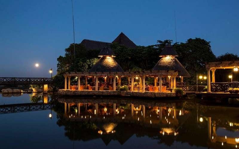 Summerfield Luxury Hotel & Botanical Garden
