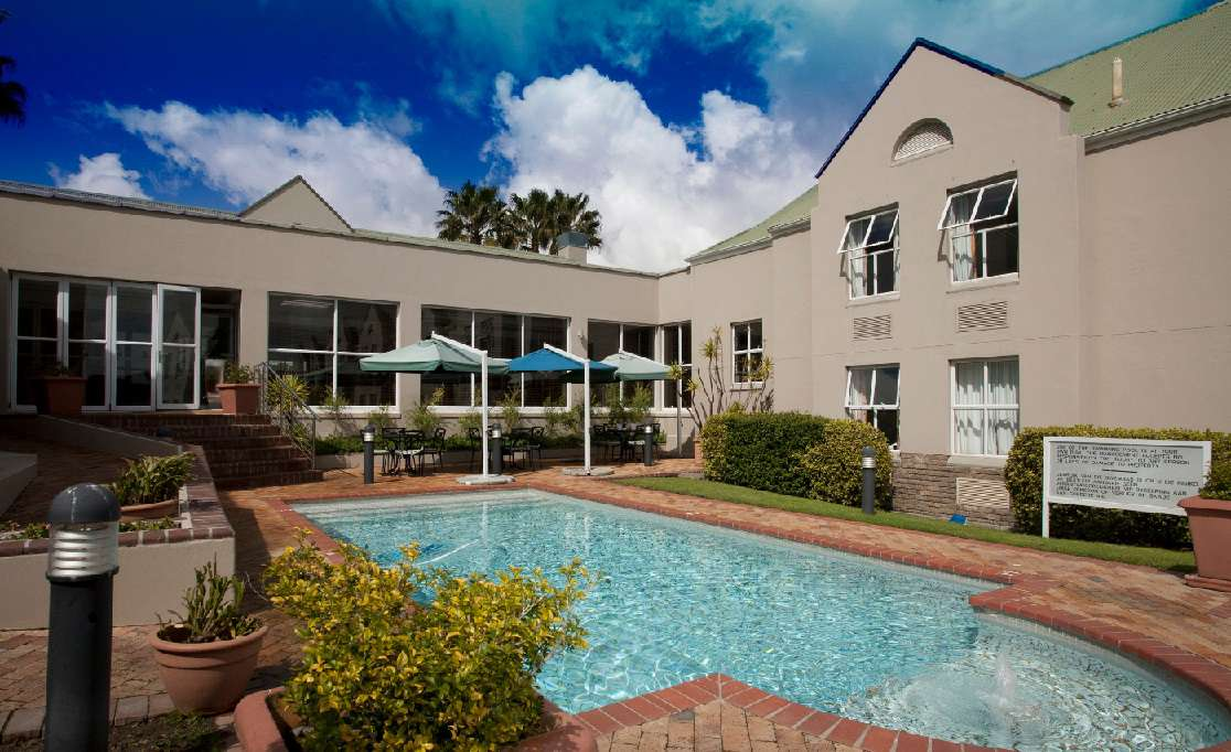 Town lodge bellville - Karen muir swimming pool kimberley ...