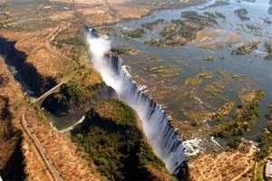 Victoria Falls & Surroundings